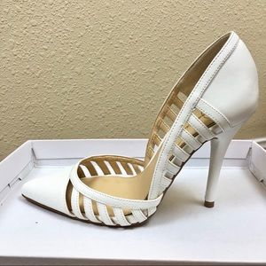Jessica Simpson White Cutout Pump